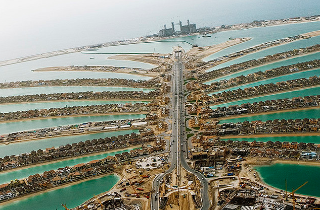 The Aerial View of Palm Jumeirah. this pic is things I really want to capture usng my own camera.
