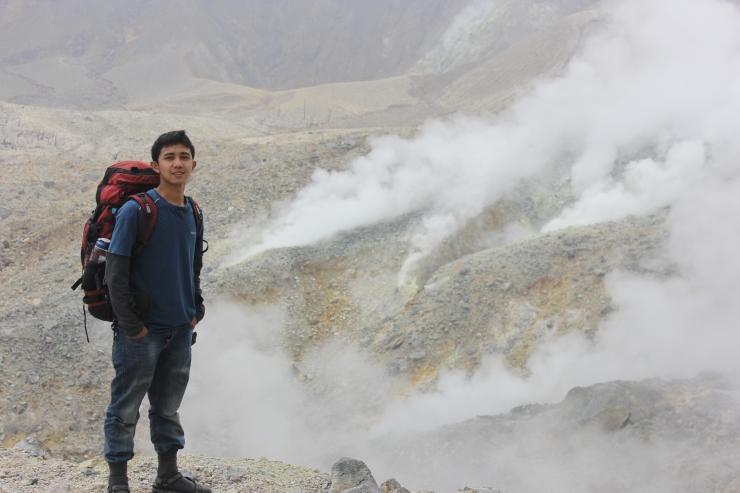 Kawah Mas, one of the biggest crater in Papandayan