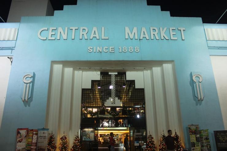 Pasar Seni, pusat kerajinan tradisional dan oleh-oleh Malaysia