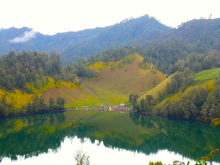 Ranu Kumbolo Lake with its camping ground