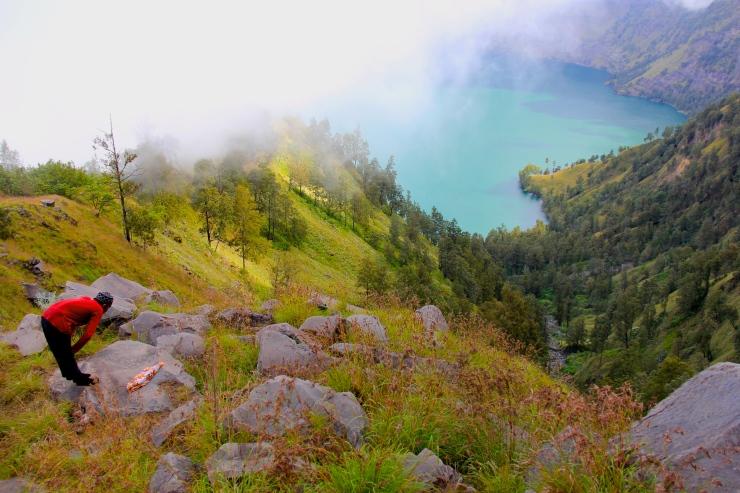 Beautiful scenery in the way up Senaru Caldera Rim Campsite