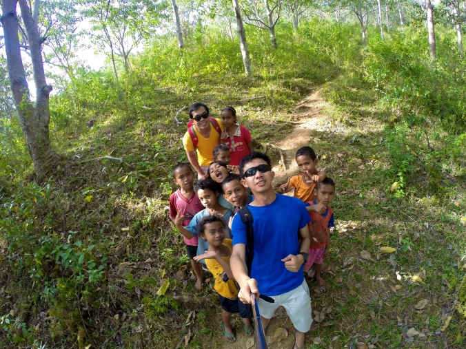 Selfie with Manggaraian Kids, Our guide.