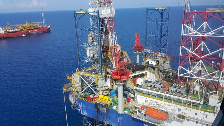 Approaching rig site from through chopper